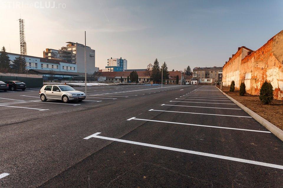 Parcare cu 229 de locuri deschisă în centrul Clujului. Va suplini parcările desființate
