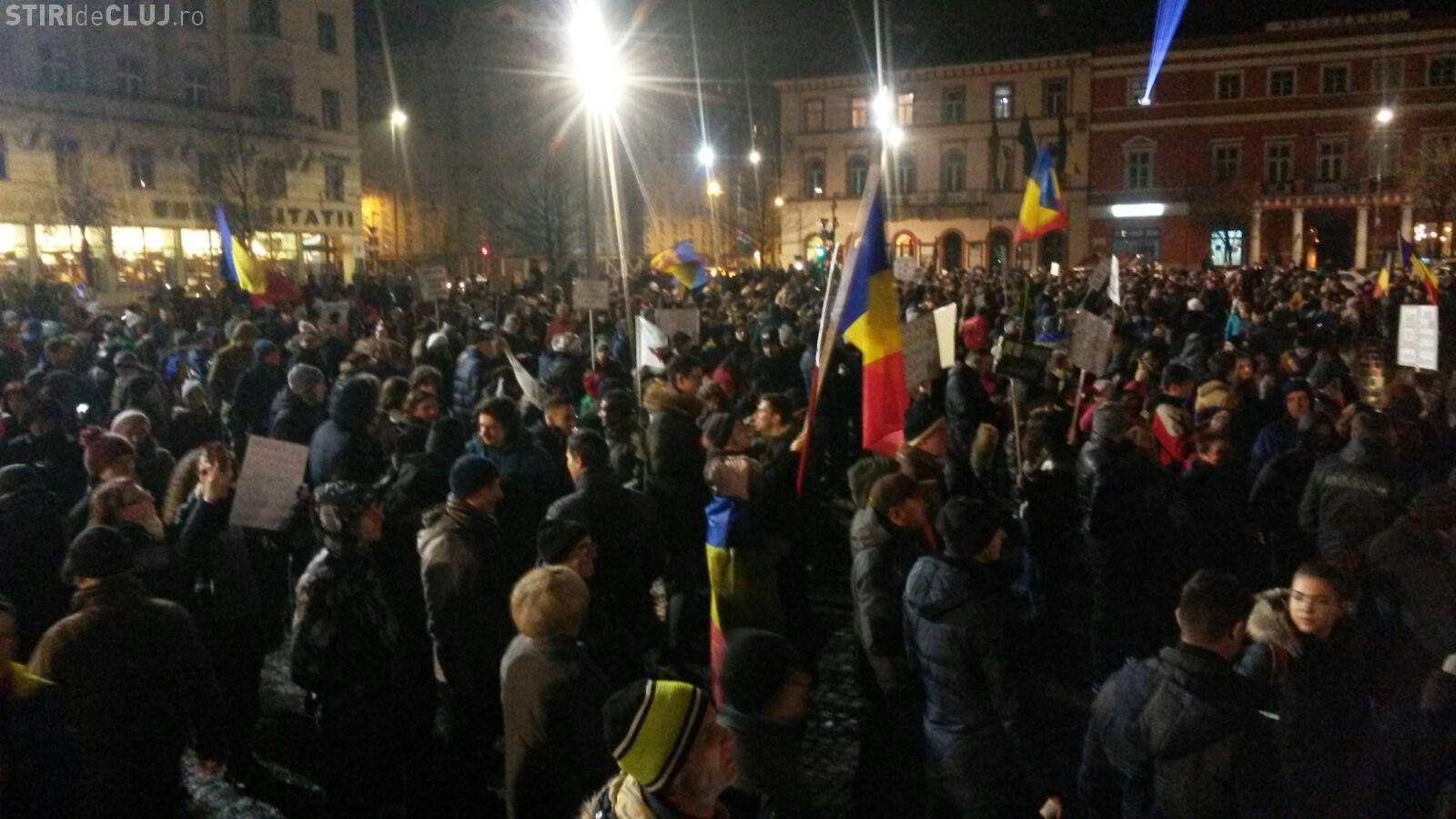 UPDATE Ziua șapte de proteste la Cluj! Aproximativ 10.000 de oameni sau venit la manifestații FOTO/VIDEO