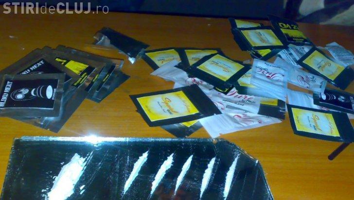 Droguri vândute cu 25 de bani plicul la magazinul ANAF