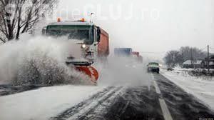 Niciun drum județean din Cluj nu a fost blocat de zăpezi. S-au folosit aproape 700 de tone de material antiderapant