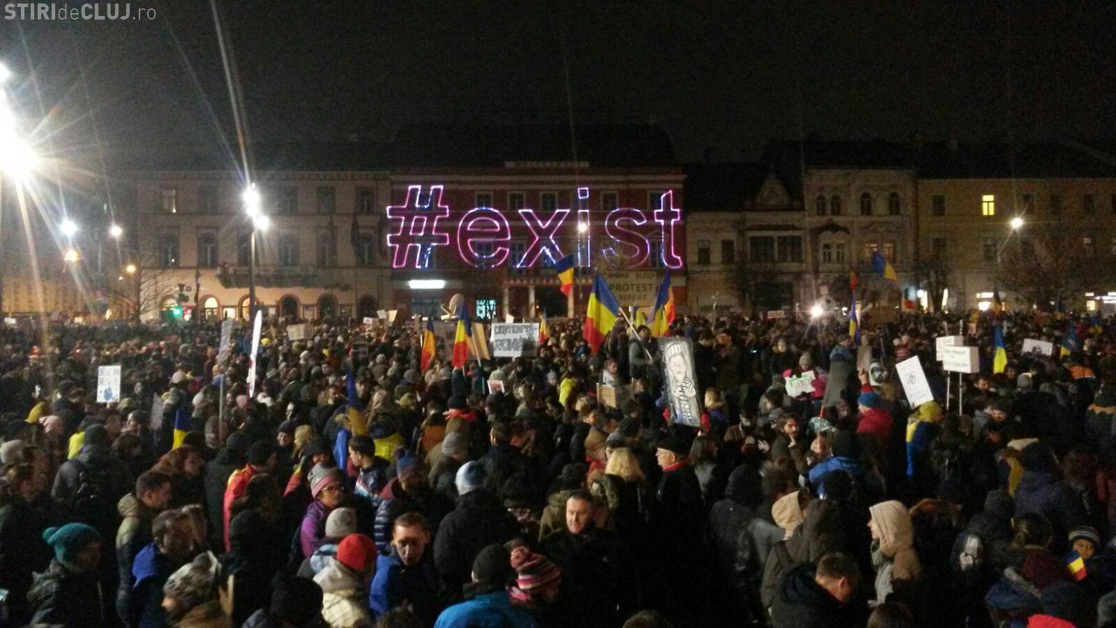 UPDATE RECORD în ziua șase de proteste la Cluj! 50.000 de persoane au umplut centrul orașului FOTO/VIDEO