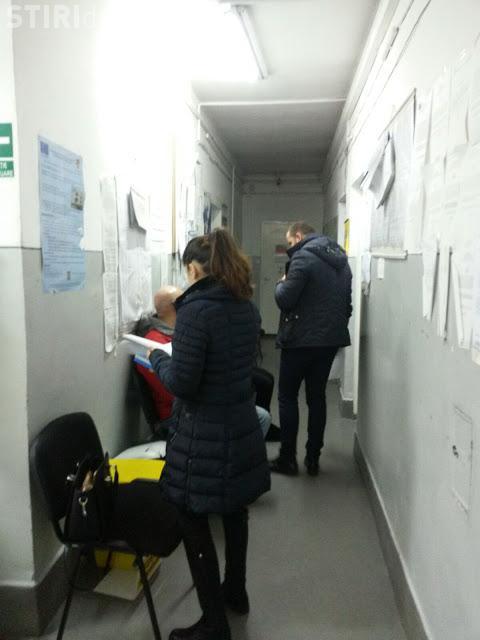 Cum se lucrează la Cadastru Cluj: Parcă suntem în epoca de piatră! În două ore jumătate au fost preluat 5 cereri la registratură FOTO