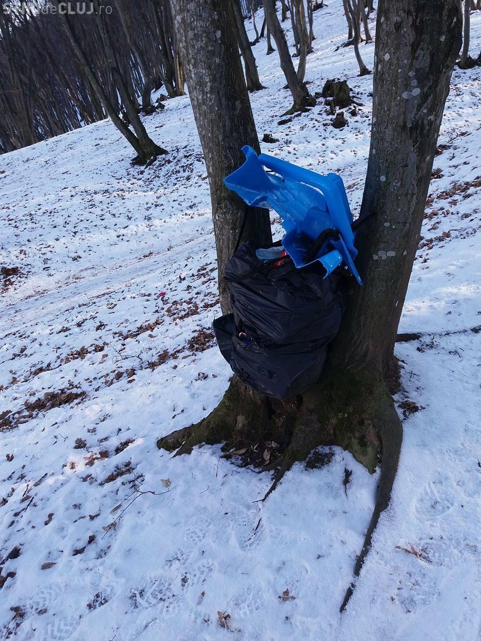 Pârtia de săniuș din Florești e plină de sănii rupte și abandonate - FOTO
