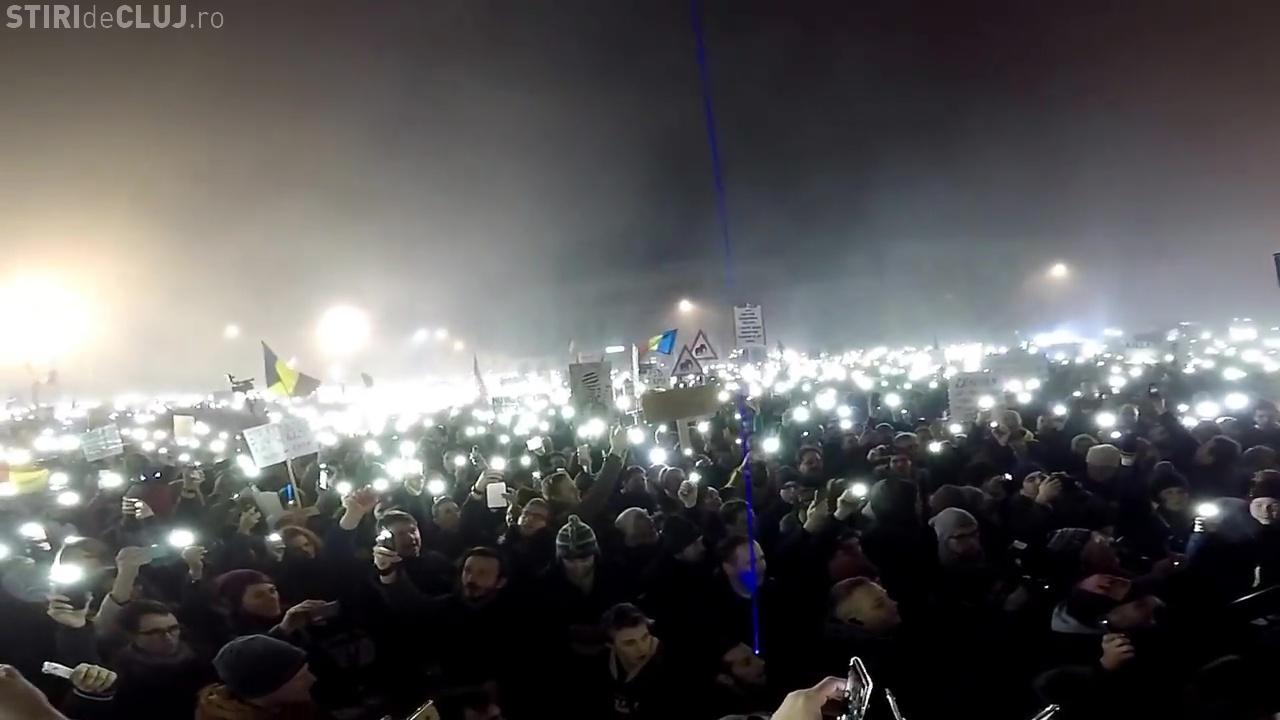 """VIDEO - Peste 50.000 de clujeni au cântat """"Deșteaptă-te române!"""""""