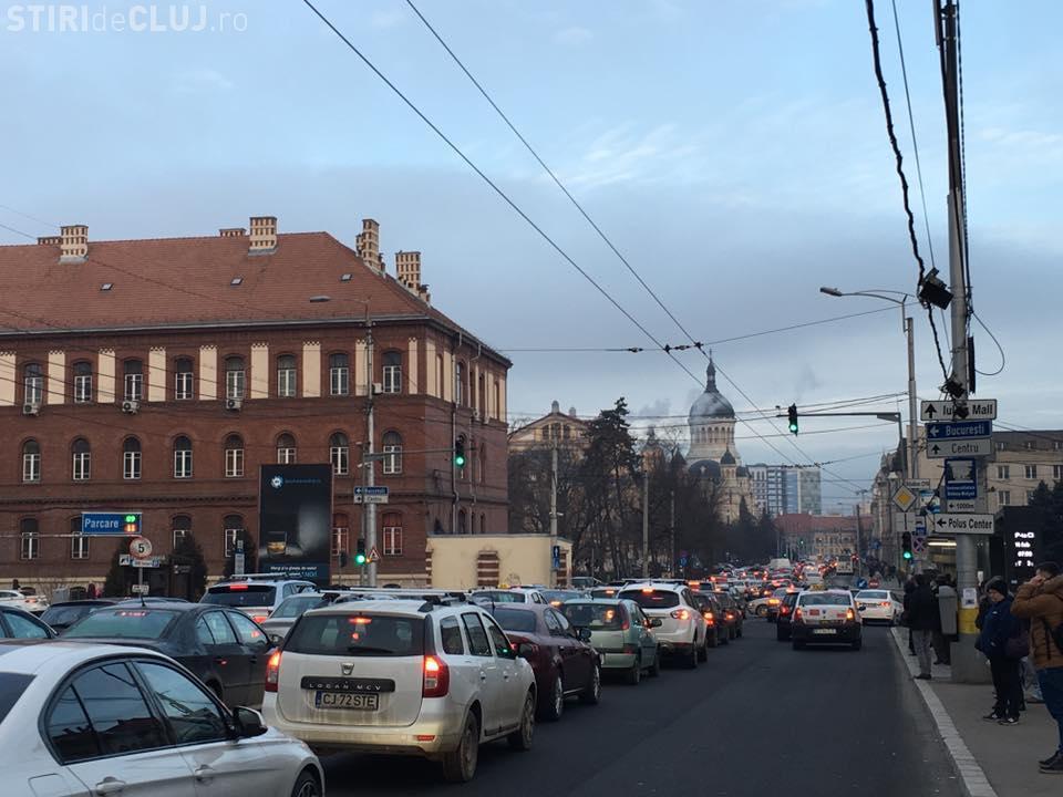Marți de COȘMAR la Cluj-Napoca, în trafic. S-a circulat bară la bară