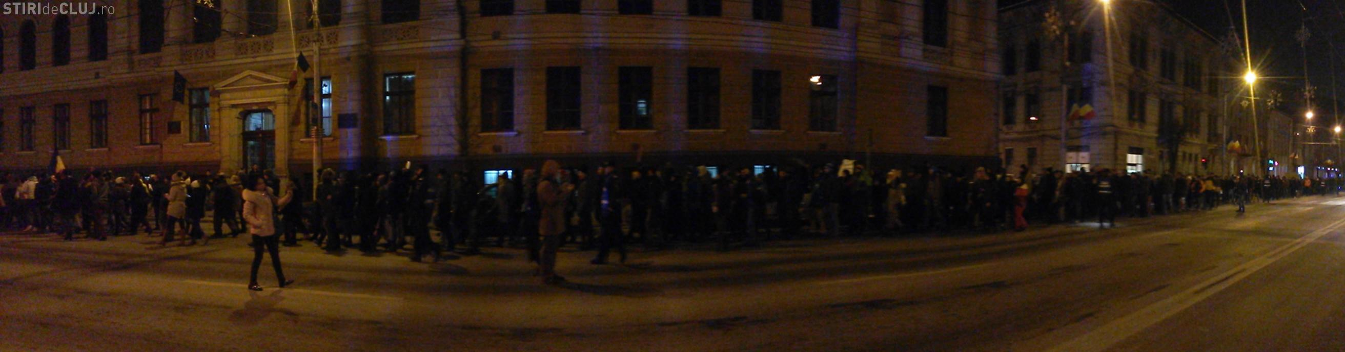 Protest MASIV la Cluj-Napoca împotriva lui Victor Ciorbea - VIDEO