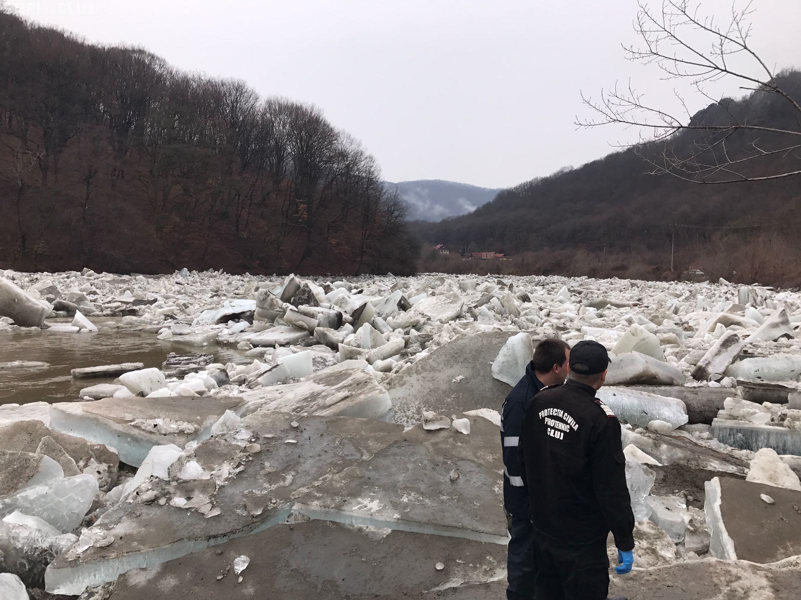 Noi detonări de gheață pe râurile din Cluj. ISU continuă acțiunile FOTO
