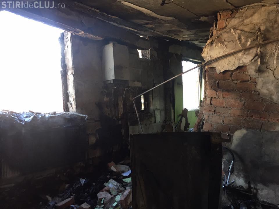 Explozie pe strada Migdalului, în Gruia. Imagini din interiorul blocului - FOTO