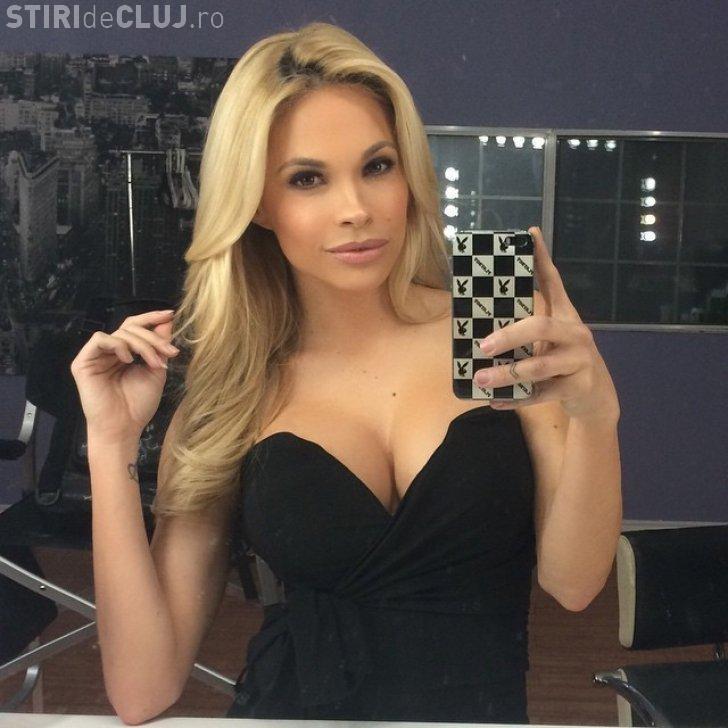 Un model Playboy riscă închisoarea pentru că a fotografiat o femeie dezbrăcată în saună