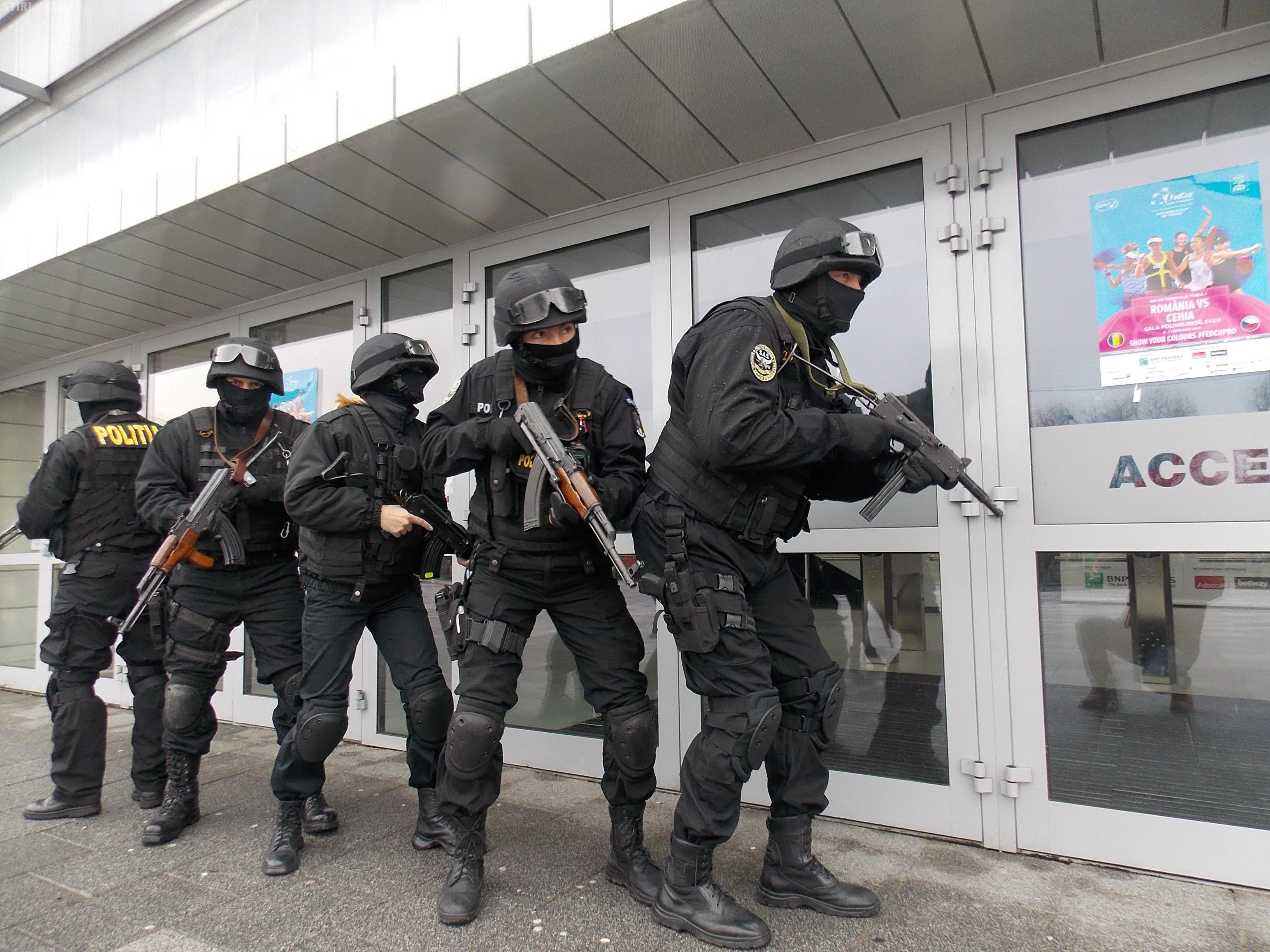 Povestea singurei femei între mascații de la Poliția Cluj