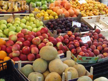 Cluj-Napoca: Comerț neautorizat cu fructe pe trotuare