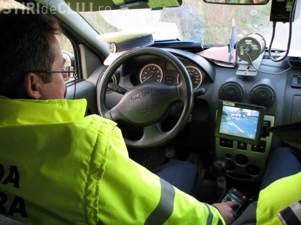 Vitezoman de Cluj, prins de polițiști gonind pe autostradă. S-a ales și cu amendă și cu permisul reținut