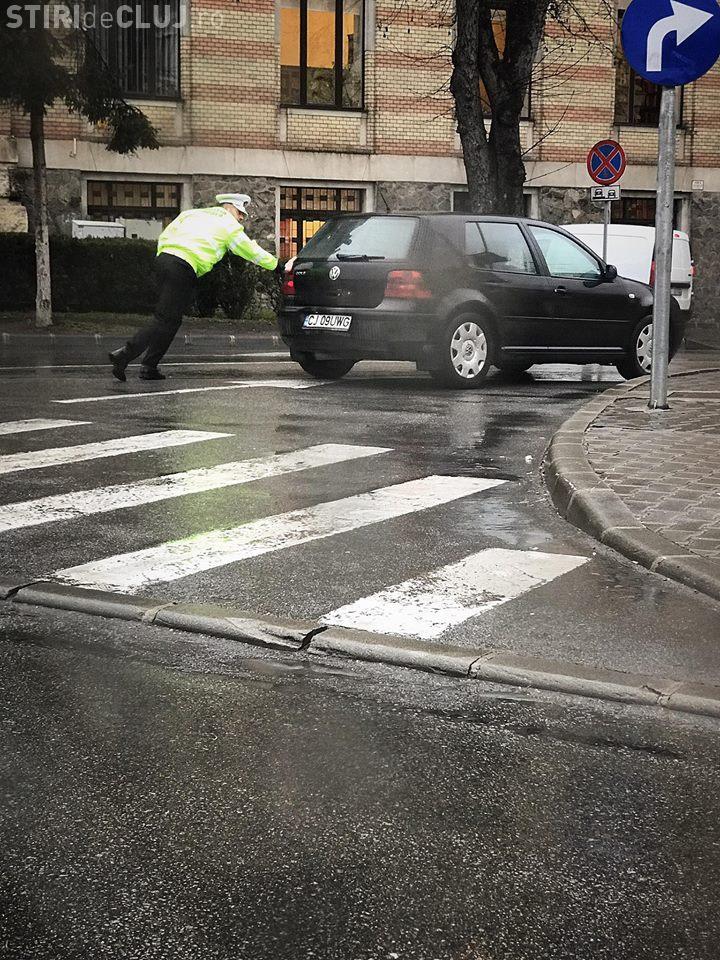Scenă din trafic: Respect Poliției Locale din Cluj-Napoca - FOTO