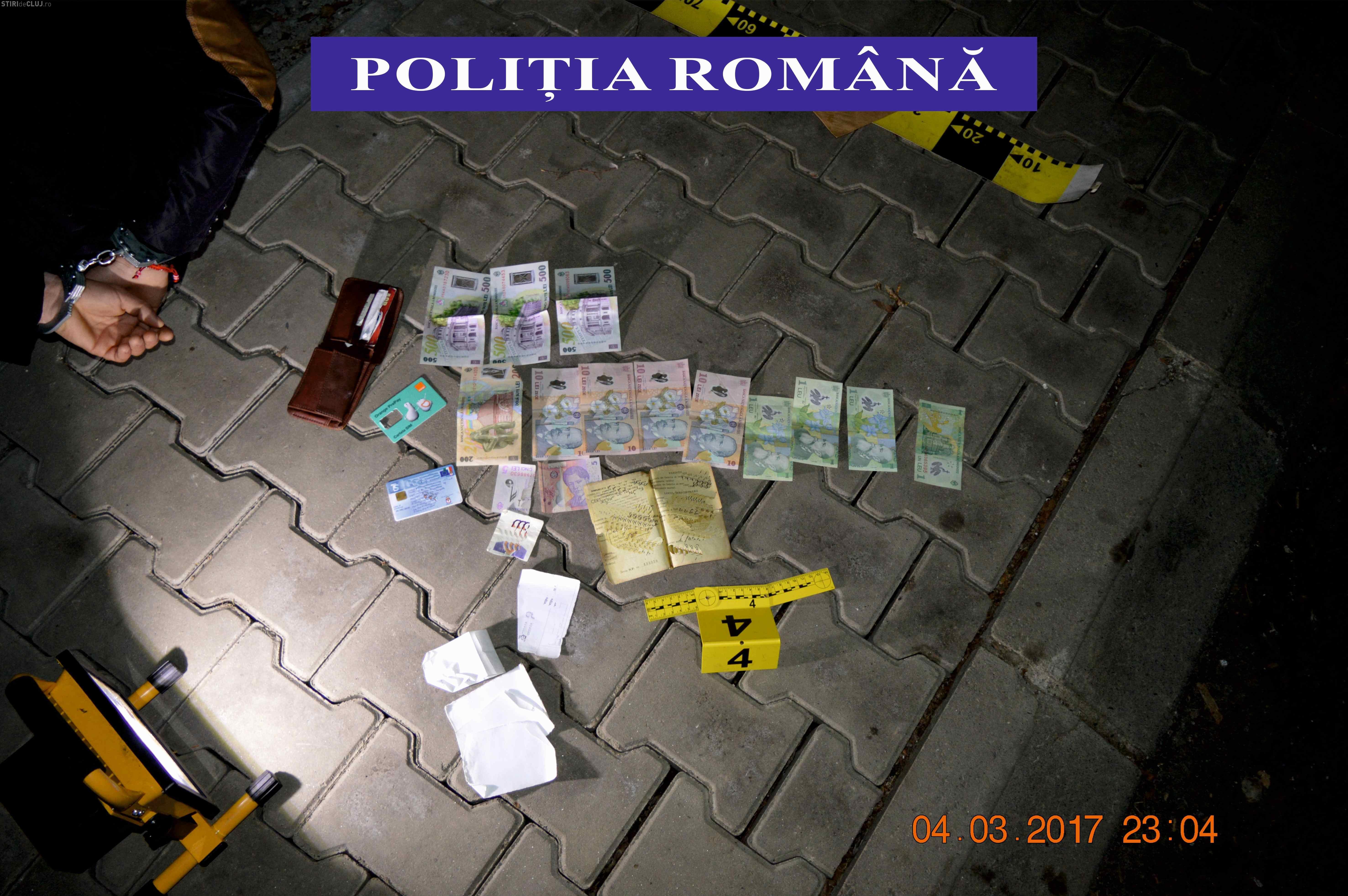 """Escroc prins în flagrant de polițiștii clujeni în timp ce încasa bani de la o victimă. A păcălit-o cu metoda """"accidentul"""" FOTO/VIDEO"""