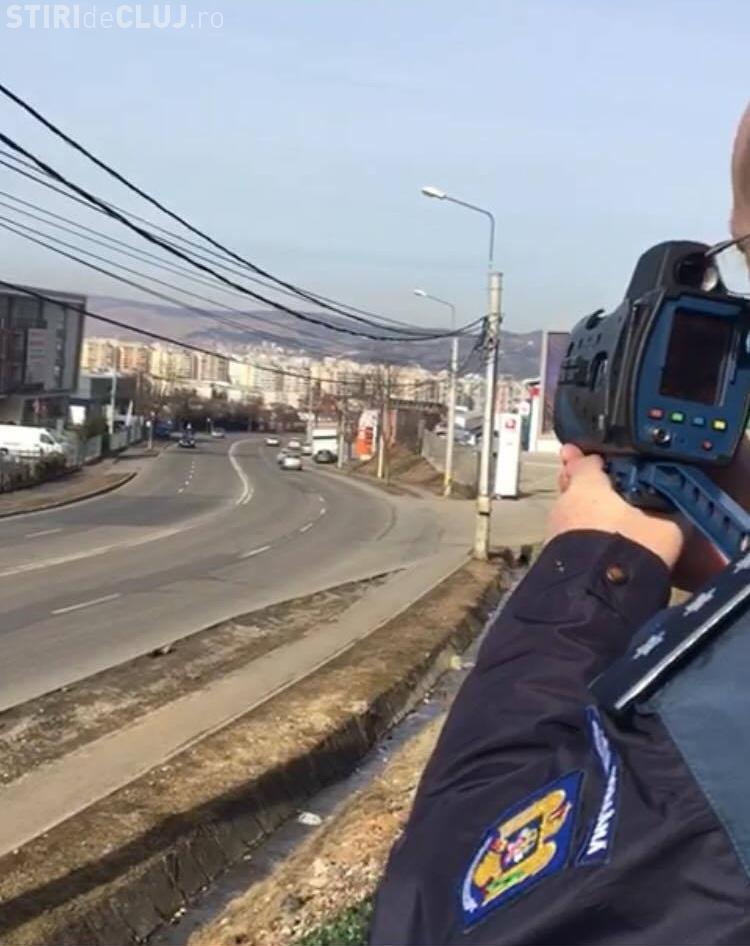 Zeci de permise reținute de polițiști la Cluj! Oamenii legii au acționat cu radare în cele mai periculoase zone din oraș FOTO
