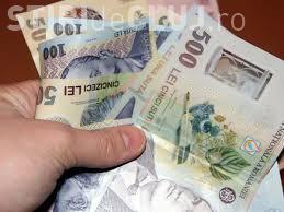 O clujeancă cu spirit civic găsit pe stradă o sumă mare de bani și a predat-o Poliției. De unde poate să îi ridice proprietarul