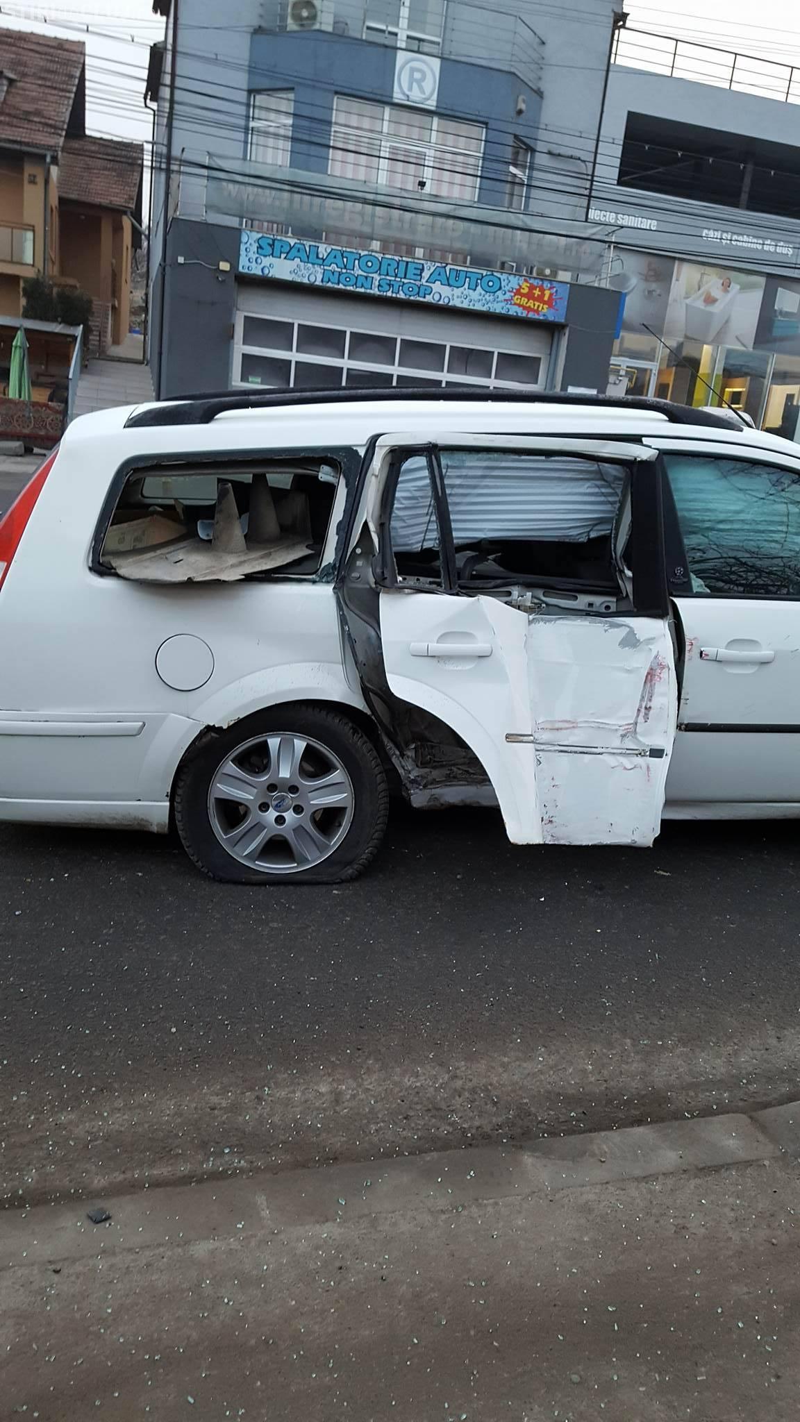 Accident pe strada Frunzișului, cea mai periculoasă din Cluj-Napoca - FOTO