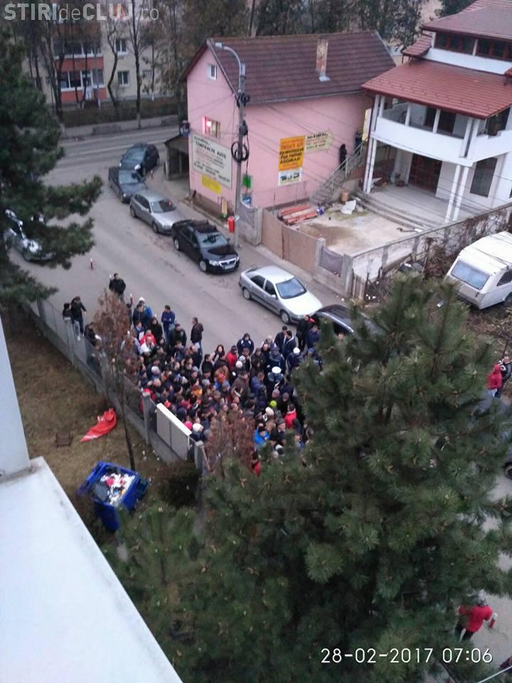 La Serviciul de Înmatriculări Cluj, șmecherașii vând locuri pe lista de așteptare cu 250 de lei