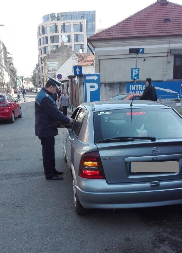 Razie în Piața Mihai Viteazu! Câte amenzi au împărțit polițiștii FOTO