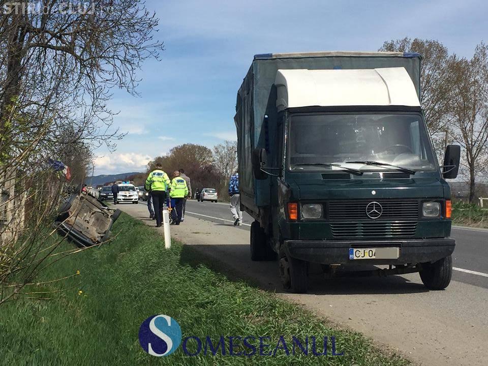 Accident cu o victimă la Jucu. Un șofer a ajuns cu mașina răsturnată în șanț FOTO/VIDEO