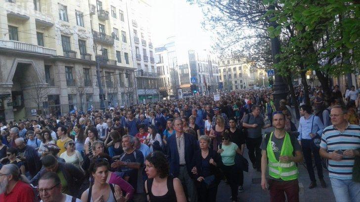 Studenții din România sunt solidari cu universitatea fondată de Soros la Budapesta, care riscă să fie închisă