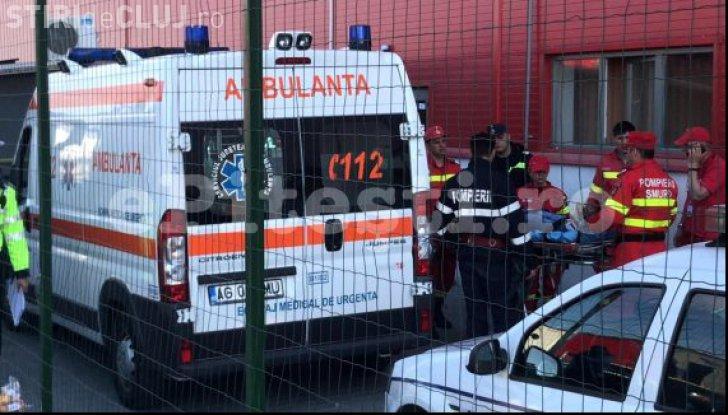 Brașov accident: A intrat cu BMW-ul în curtea unei fabrici și a spulberat șase oameni. A murit o femeie
