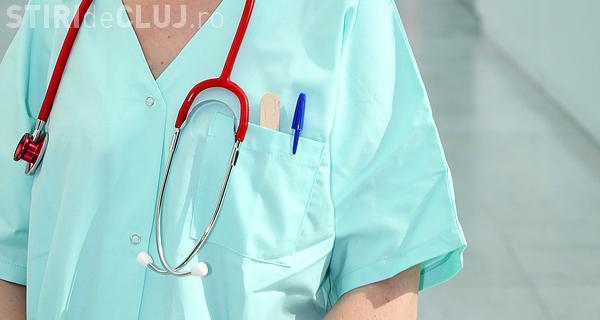 Sanitas Cluj susține că prin legea salarizării infirmierele câștigă mai bine decât asistentele