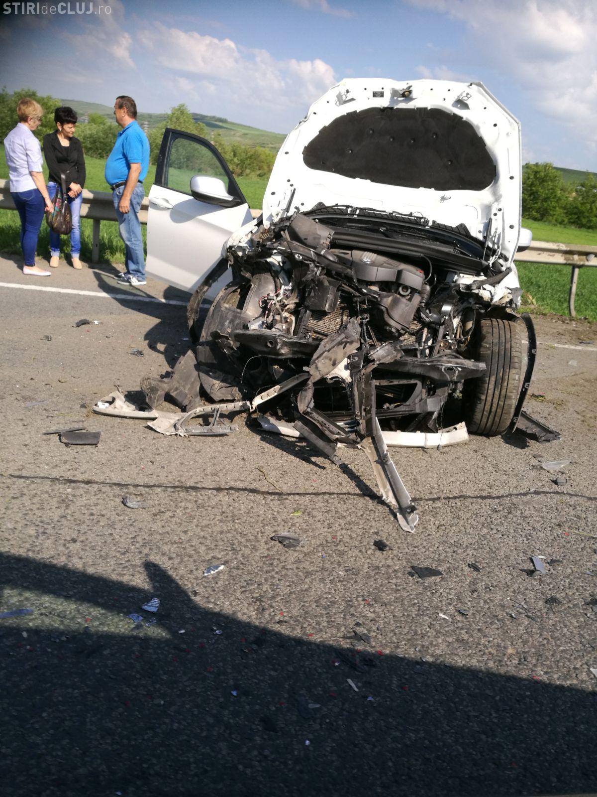 O șoferiță a scăpat ca prin urechile acului în urma unui accident pe centura Vâlcele-Apahida. A intrat într-o depășire periculoasă FOTO