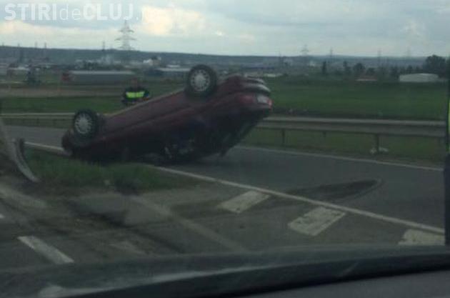 Cluj: Un șofer s-a răsturnat, evitând un accident