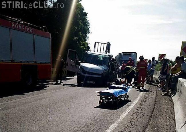 Accident grav pe drumul Cluj-Oradea. Circulația a fost blocată FOTO