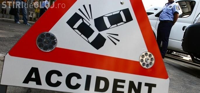 Neatenția la volan poate costa! Un clujean a făcut accident pe Autostradă