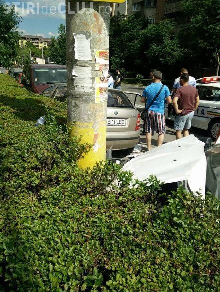 Accident cu 5 victime, pe Dorobanților! Un șofer neatent a intrat într-un autoturism plin cu tineri FOTO