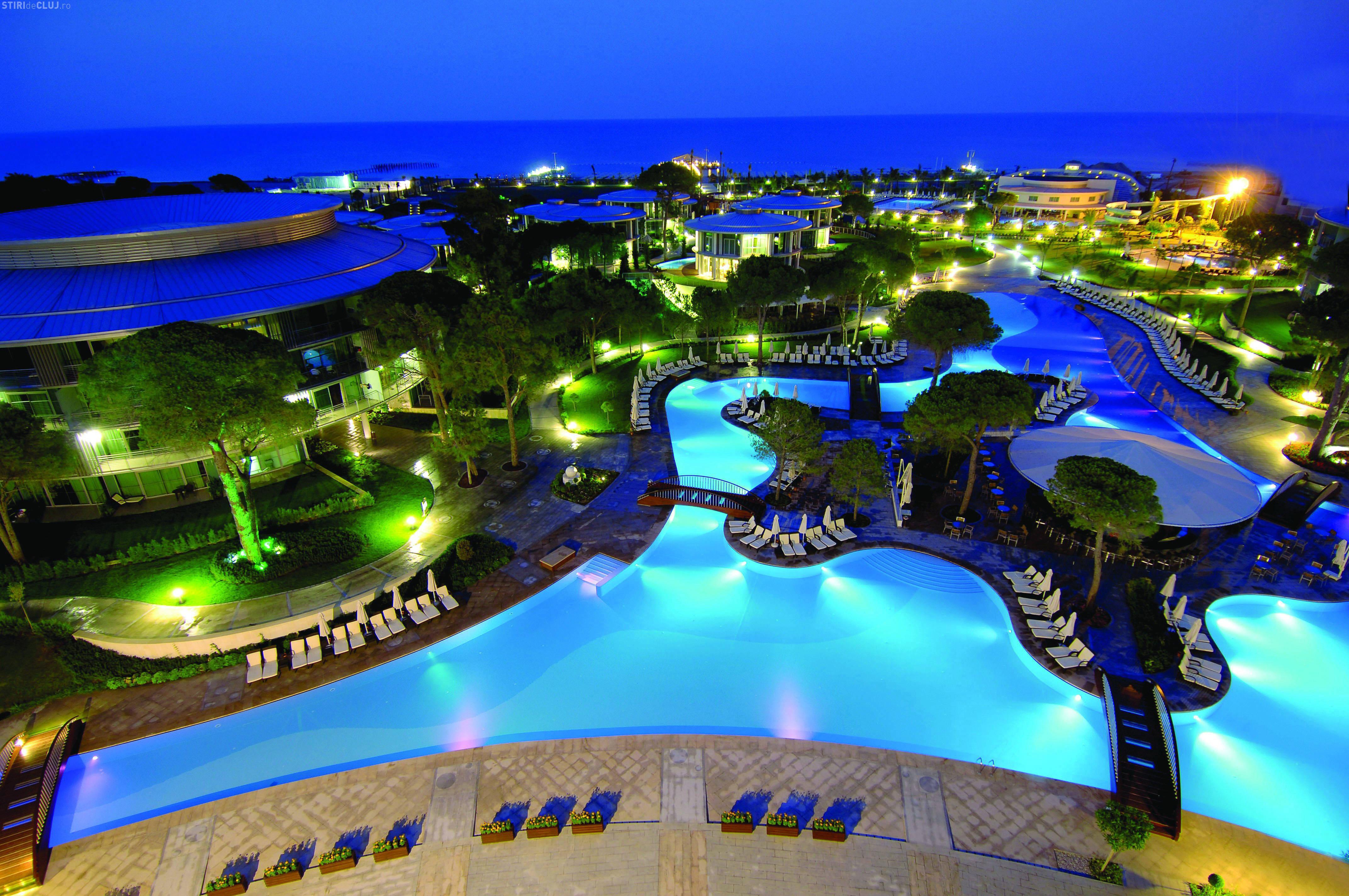 Nu ai vizitat Antalya? Ai AICI o ofertă foarte bună la un hotel de cinci stele. Plecarea e din Cluj-Napoca