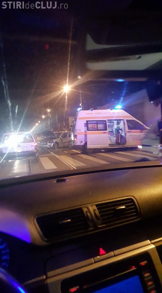 Accident pe fondul vitezei, pe Bulevardul Muncii! O șoferiță a avariat trei mașini parcate FOTO/VIDEO