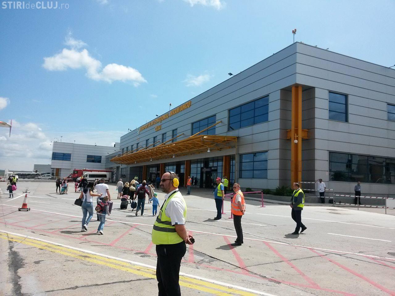 """Consiliul Județean Cluj somează public Prefectura Cluj să oprească """"furtul"""" a 12.000 de mp din teren Aeroportului"""
