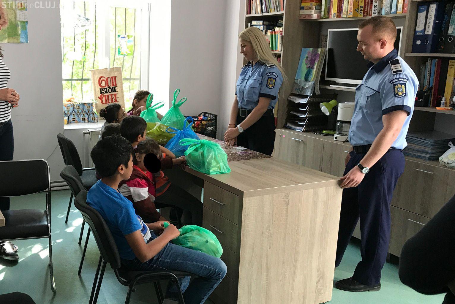 Gest de umanitate al polițiștilor clujeni. Au donat sânge, iar din banii primiți au cumpărat cadouri pentru copiii cu probleme