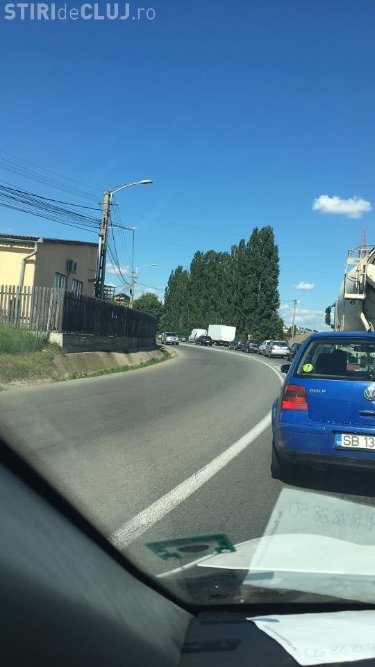 Intrarea în Cluj dinspre Baciu BLOCATĂ - FOTO