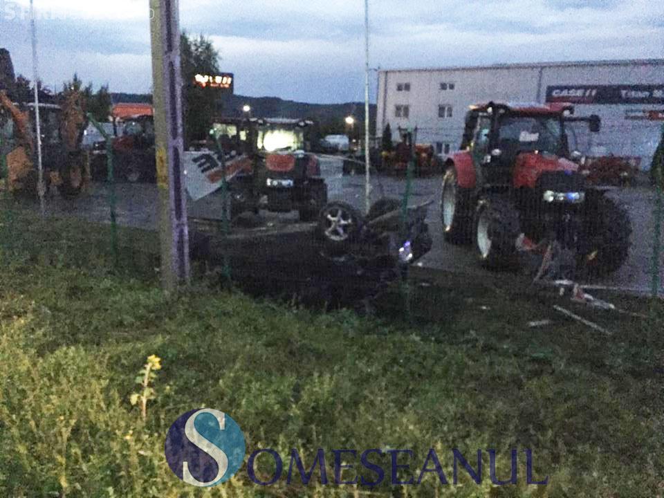 CLUJ Accident cu o victimă la Bonțida. Un șofer s-a răsturnat cu mașina FOTO
