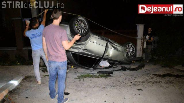 CLUJ: Un șofer s-a răsturnat cu mașina, după ce a adormit la volan VIDEO