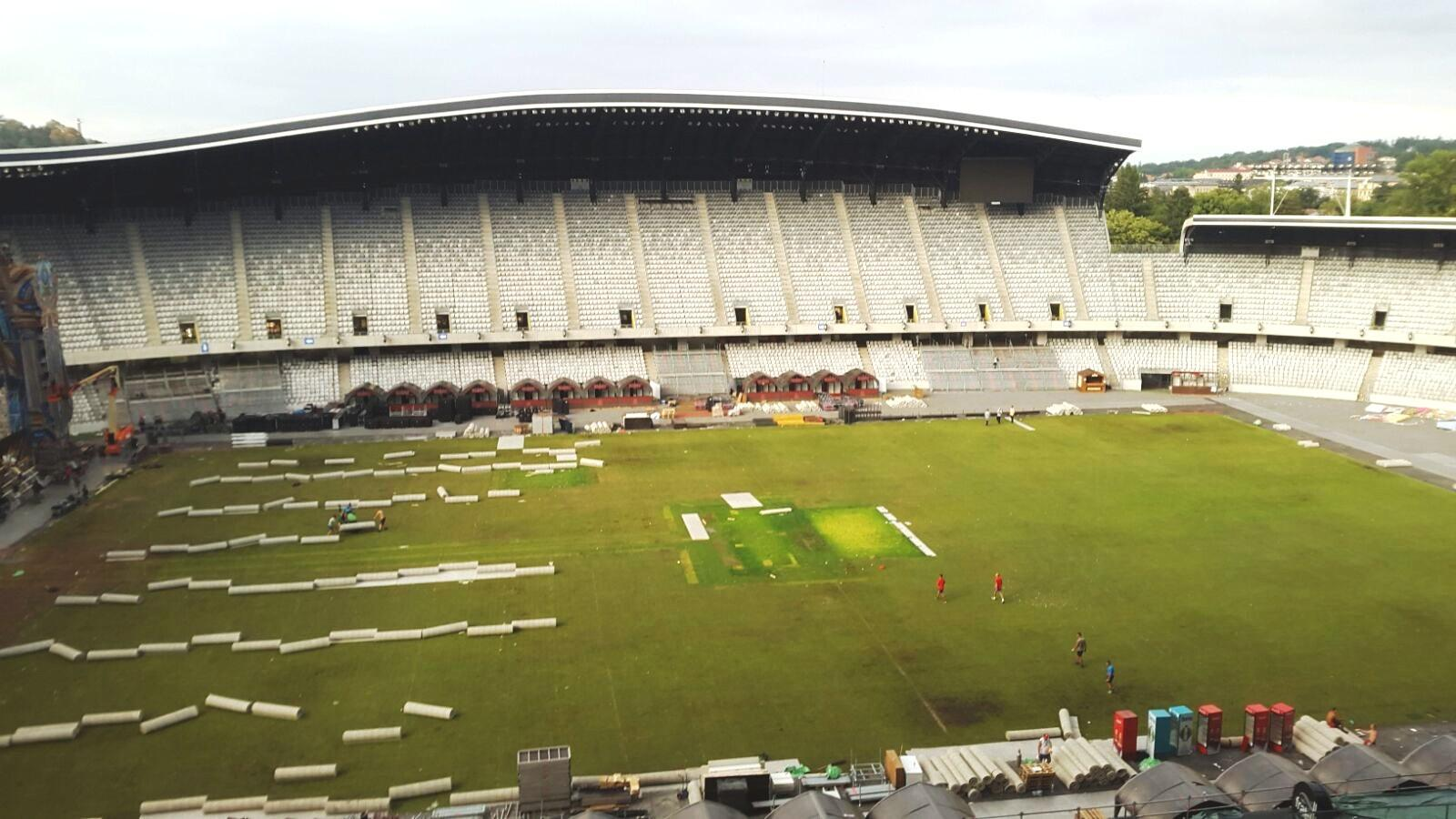 Gazonul Cluj-Arena a fost eliberat în cursul zilei de luni - FOTO