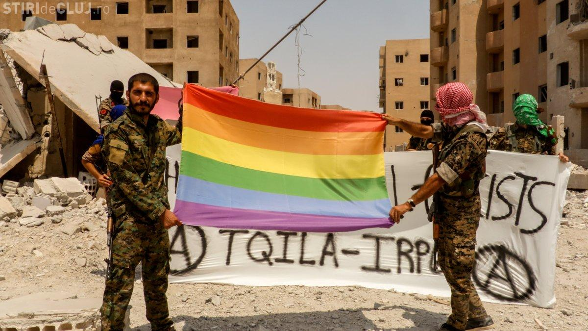 O armată de homosexuali luptă împotriva teroriștilor ISIS