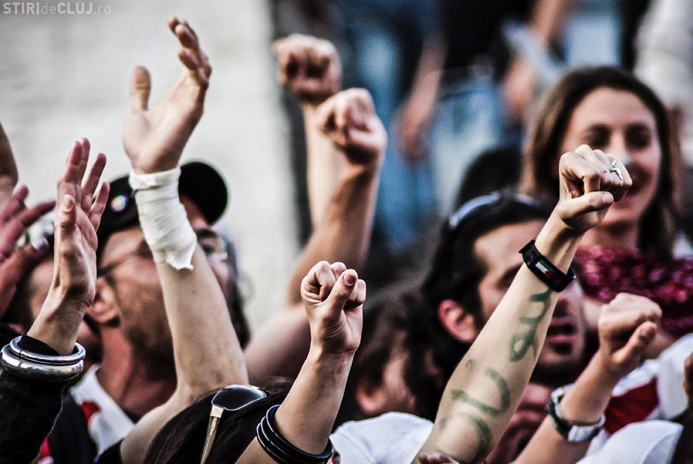 Ce s-a întâmplat duminică seara, la protestele #REZIST de la Cluj-Napoca