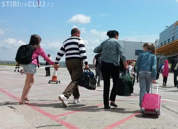 200.000 de români au plecat din ţară în 2016. Cât pierde economia României