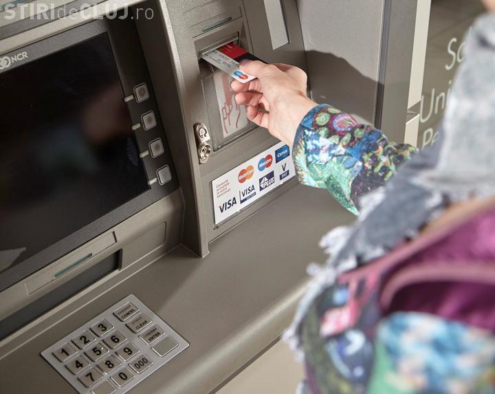 """Premierul atacă băncile: """"Nu ştiu dacă este 'safe' să vă ţineţi economiile acolo"""""""