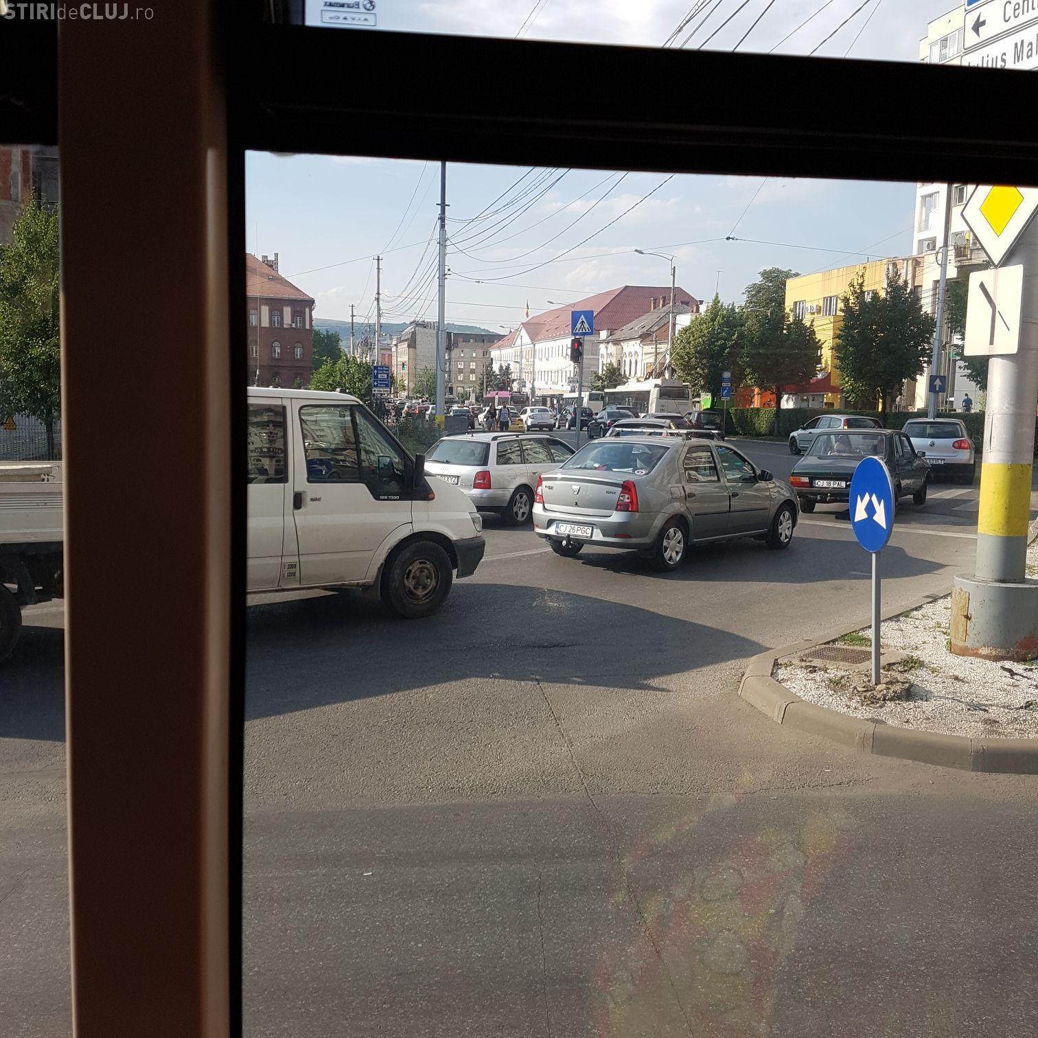 Trafic de coșmar în centrul Clujului: Am facut 30 de minute din Piața Mihai Viteazu până în Cipariu FOTO