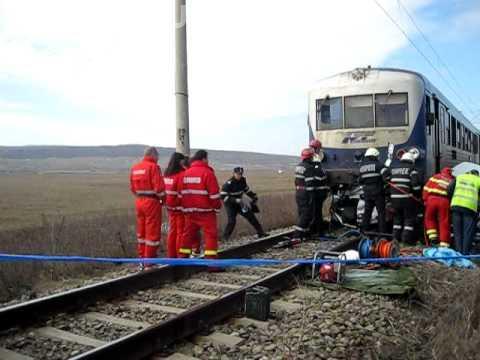 TRAGEDIE în România! Trei copii și o femeie spulberați de tren. Mecanic: Ar fi vorba de un act suicidal