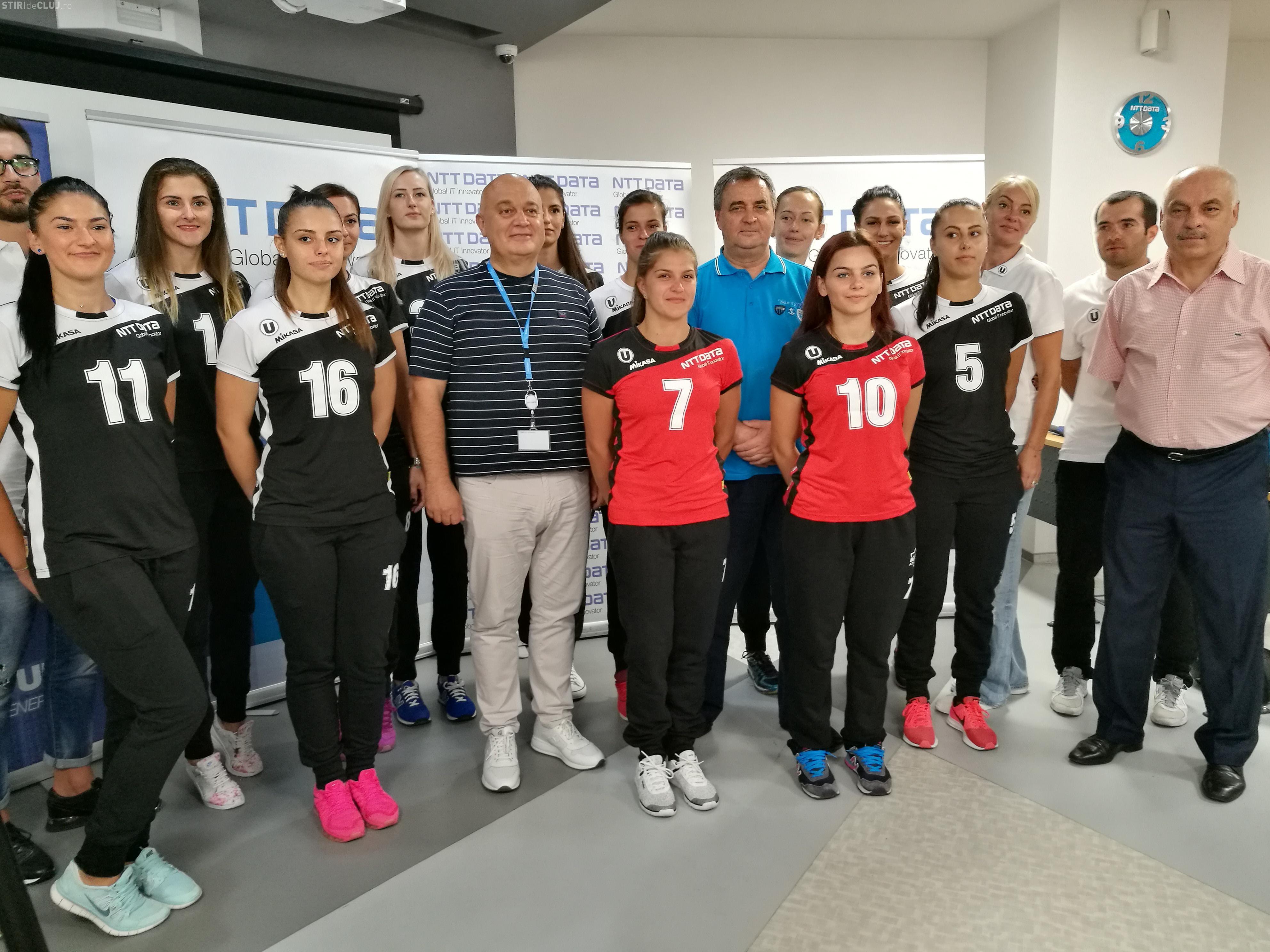"""Echipa de volei feminin """"U"""" NTT DATA Cluj are o nouă componență și noi echipamente FOTO"""