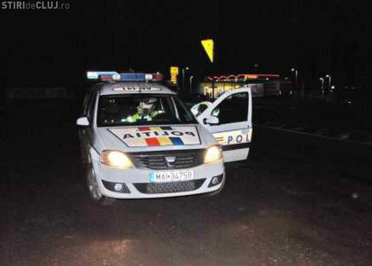 Cluj: Un bețiv s-a plimbat liniștit prin oraș fără ca Poliția să se grăbească. O familie l-a urmărit cu mașina