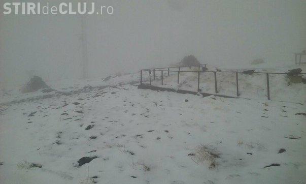 Ninsoare în luna septembrie, în România. Stratul de zăpadă a ajuns la 3 centimetri