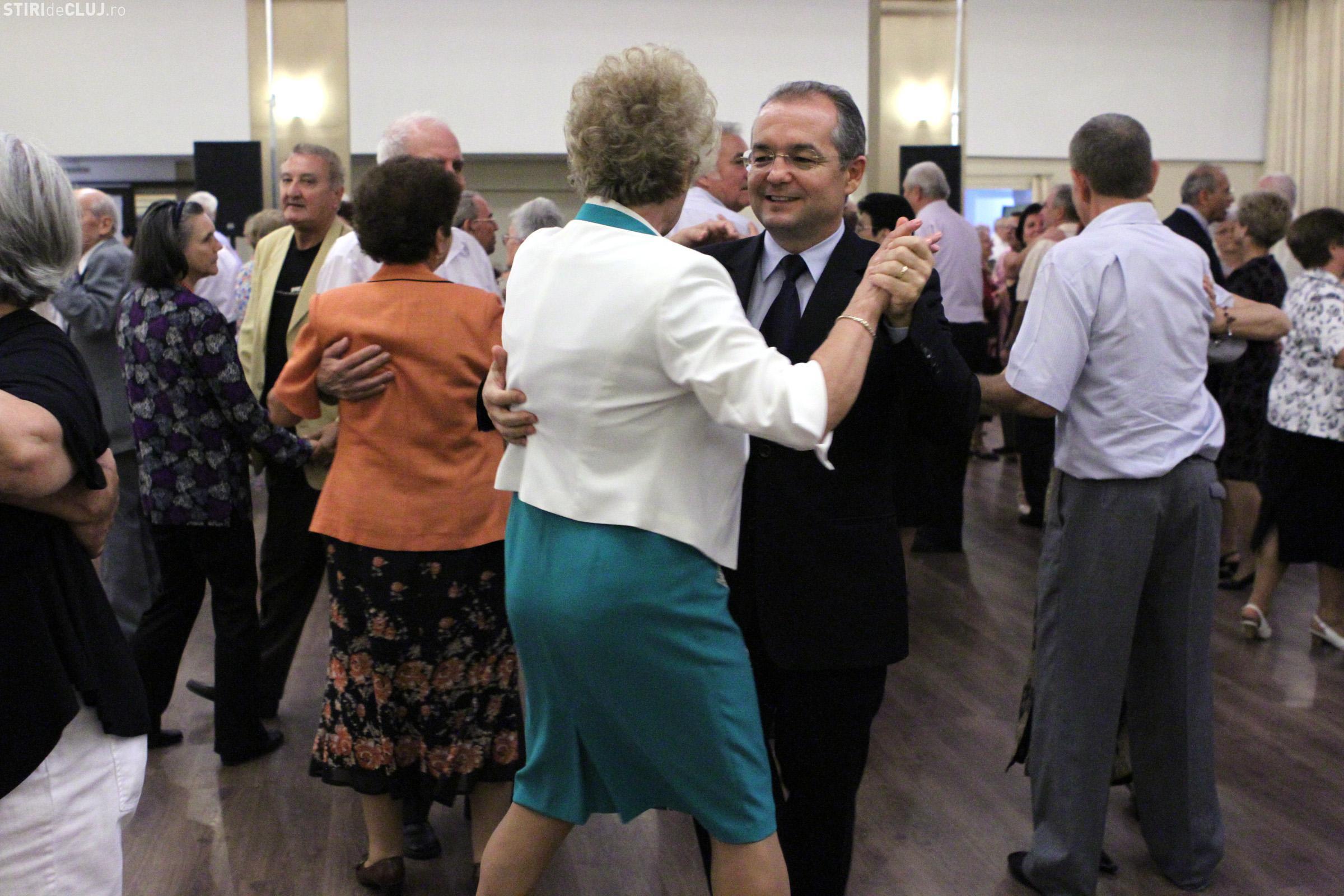 Primăria Cluj-Napoca va achita și în 2017 petrecerea pensionarilor. Sunt așteptați 2.000 de participanți